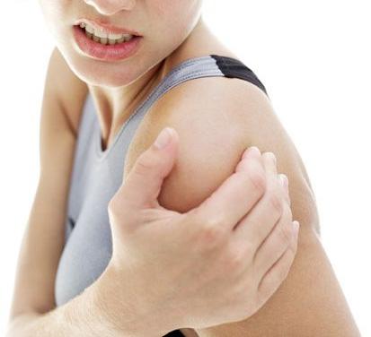 Mal à l'épaule : que faire bon sang ?!